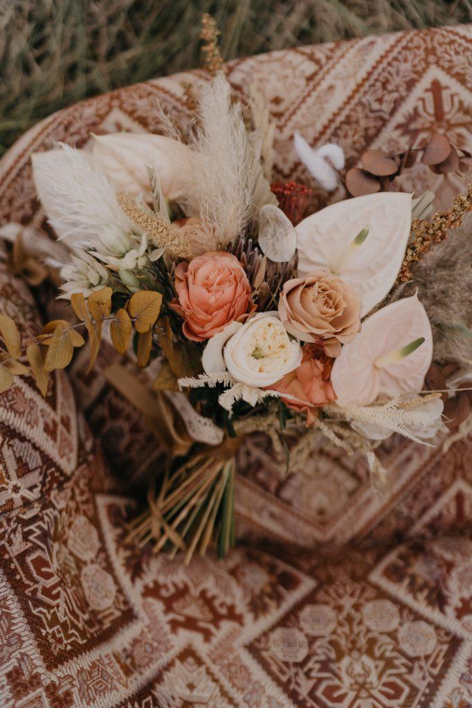 Margaux Gatti Photographe Mariage Metz Lorraine Shooting Western Bouquet Mariée