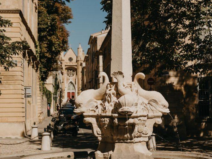 Aix-en-Provence- la fontaine des quatre dauphins