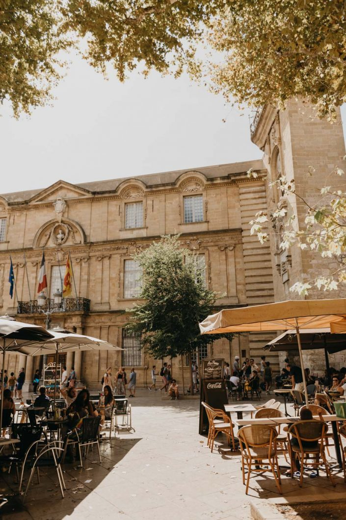 Aix-en-Provence : Place de l'hôtel de ville
