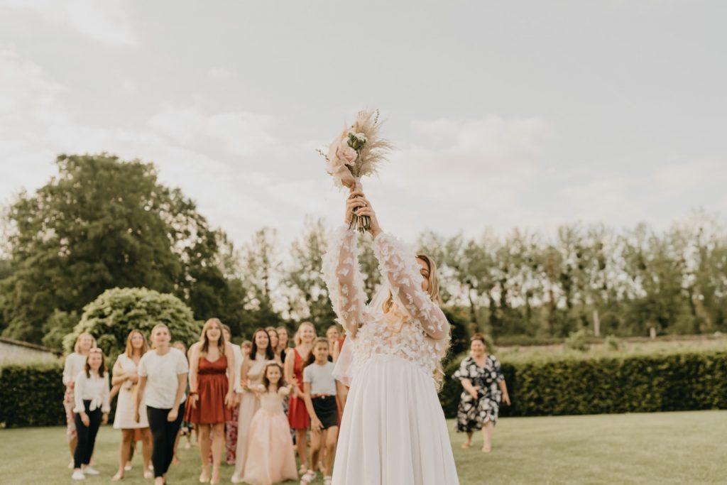 Mariage au Château de la Trye - Le lancé de bouquet